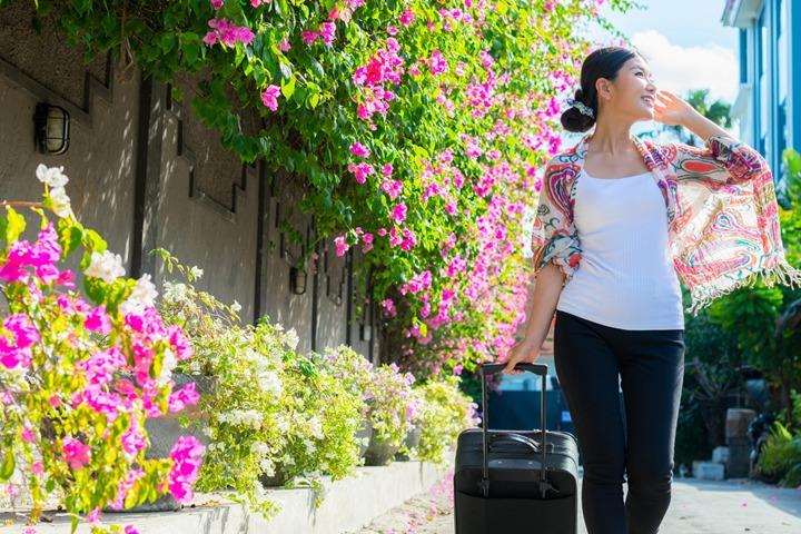 楽天カードの代わりに使うべき年会費格安でも海外旅行傷害保険が自動付帯しているクレジットカードとは
