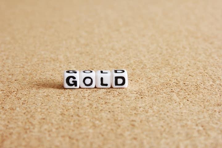 ゴールドカードの上のカードとは
