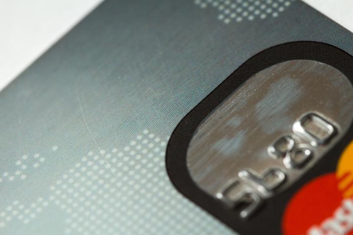 3.デビットカードとクレジットカードの国際ブランドを比較