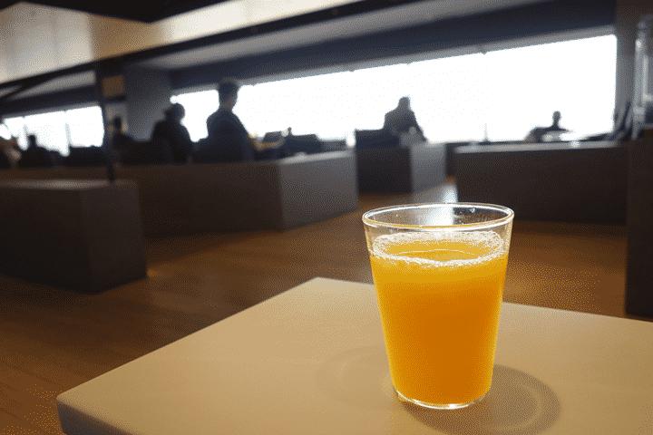 空港ラウンジを利用する際の流れ