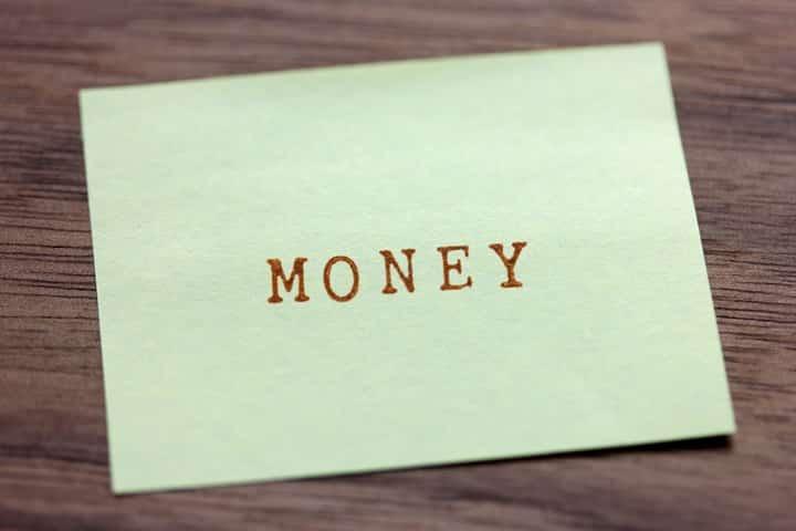 5.年収が上がったらすぐにクレジットカード会社に知らせる